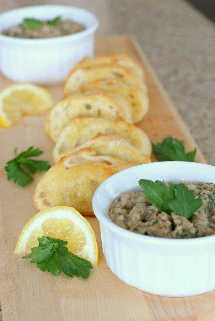 Whole30 and Paleo-friendly Fresh Lemon and Garlic Eggplant Spread