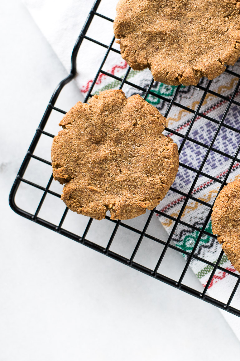 Soft and Chewy Paleo Ginger Snap Cookies | A perfectly soft and chewy paleo ginger snap cookie that you can enjoy without feeling guilty! Less than 120 calories each, refined sugar free, gluten free, dairy free, and delicious. | Honestly Nourished www.honestlynourished.com