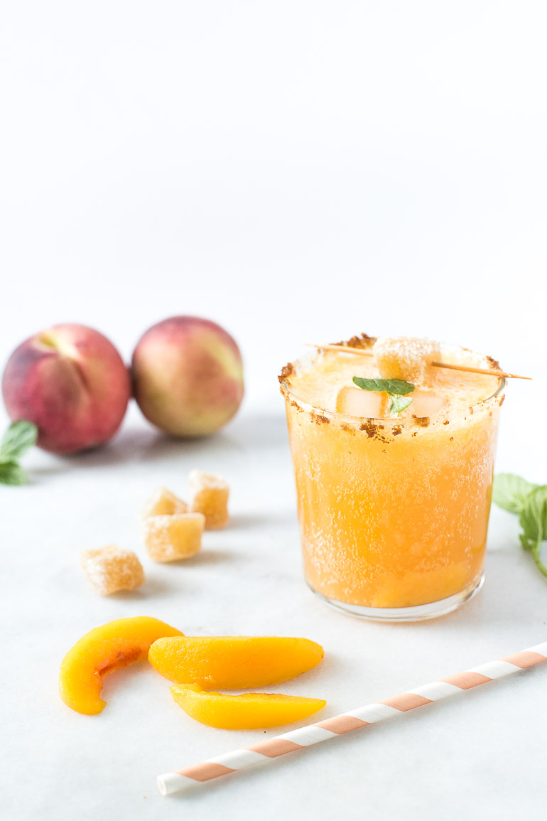 Healthy-Ginger-Peach-Kombucha-Mocktail-&-Cocktail-Recipe-Honestly-Nourished