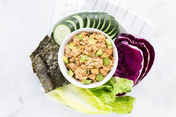 No-Mayo Spicy Tuna Salad with Avocado Chunks and Crispy Seaweed Chips