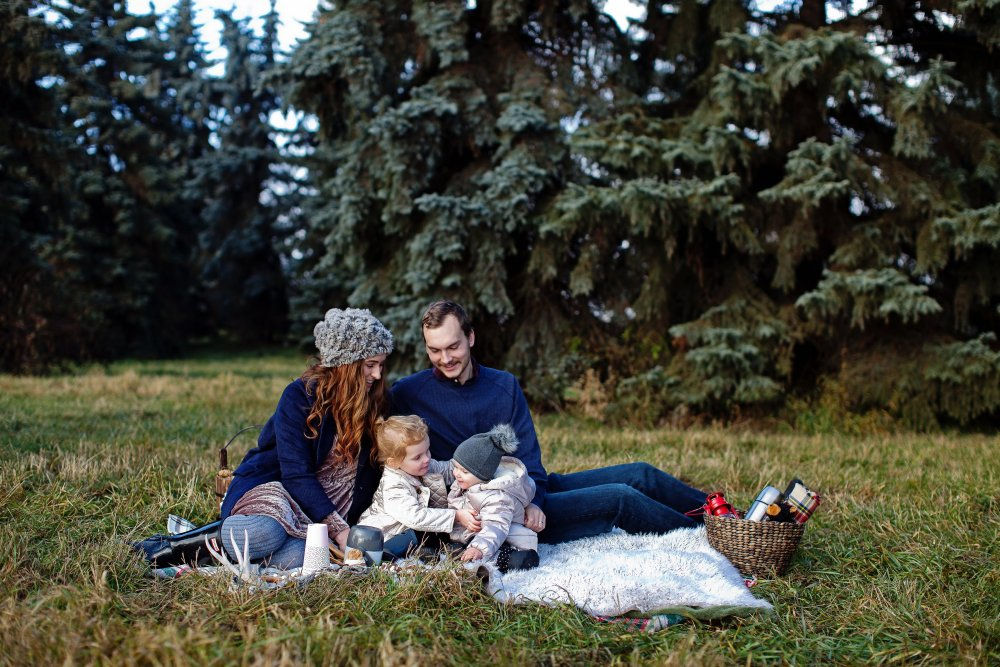 Anthropologie Inspired Christmas Holiday Family Photos