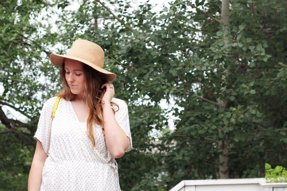 0e5ce02b35 Hannah is an Edmonton fashion blogger for the popular Canadian lifestyle  blog Honey   Betts.