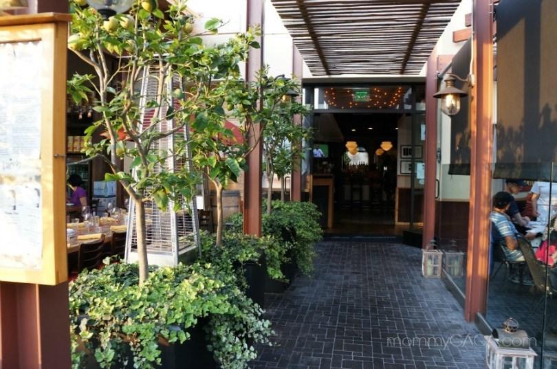 entrance walkway, mia francesca san diego