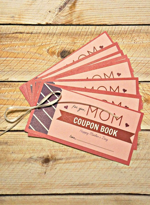 Free printable Mother's Day coupon book - Give mom the day off! | Printable Mother's Day Coupon Book | mothers day coupon template | things to put in a coupon book for mom | mom coupon book printable | honeyandlime.co