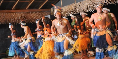 Highland Paradise Cultural Show and Island Feast Dancers