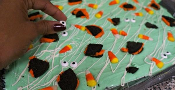 Halloween candy bark ideas - monster bark