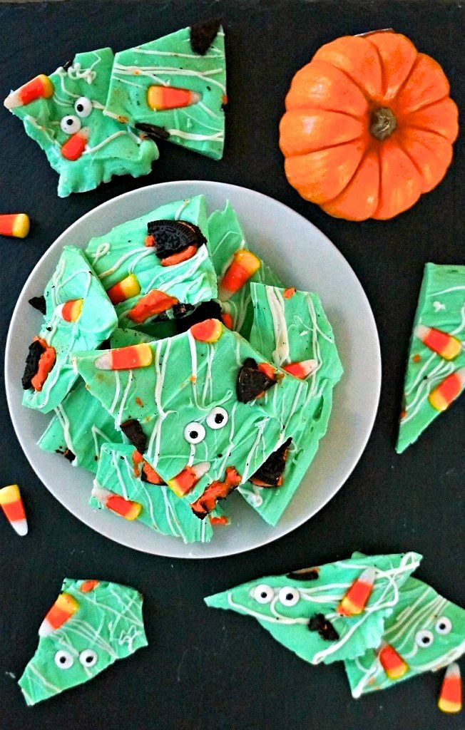 Monster Halloween Candy Bark - white chocolate bark is fun for halloween easy food ideas