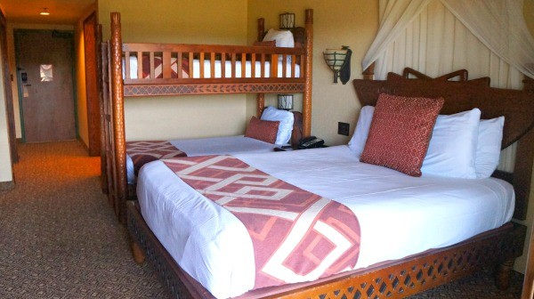 Disney's Animal Kingdom Lodge, double bed and bunk beds, room 4347