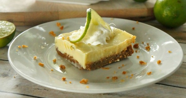 Easy key lime pie bars recipe, fresh lime juice and a graham cracker crust!