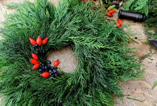 Diy living wreath from foraged materials