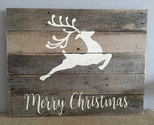 DIY Christmas home decor ideas - Merry Christmas pallet reclaimed wood reindeer holiday sign