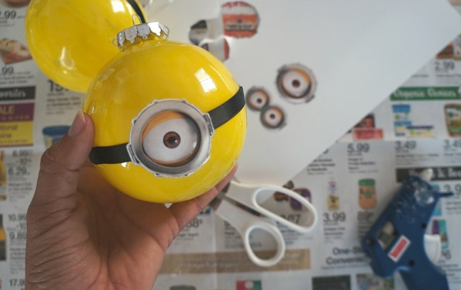 Making Despicable Me DIY Minion Christmas ornaments for the holidays