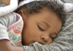 Sick sleeping baby - here's the best way to treat a fever
