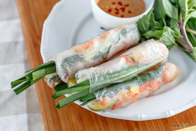Best Vietnamese street foods - Goi cuon Cold Spring Roll