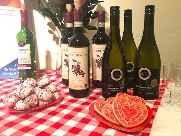 Wine and cookie at Paint and Sip LA