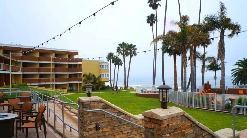 Grassy courtyard at the Seacrest Oceanfront Hotel in Pismo Beach, CA