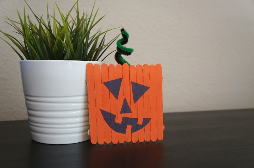 Pumpkin popsicle sticks craft - jack-o-lantern crafts