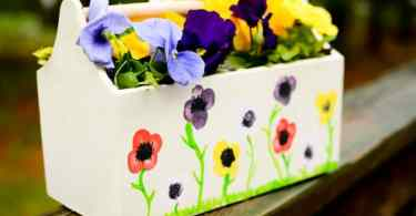 Flower thumbprint planter