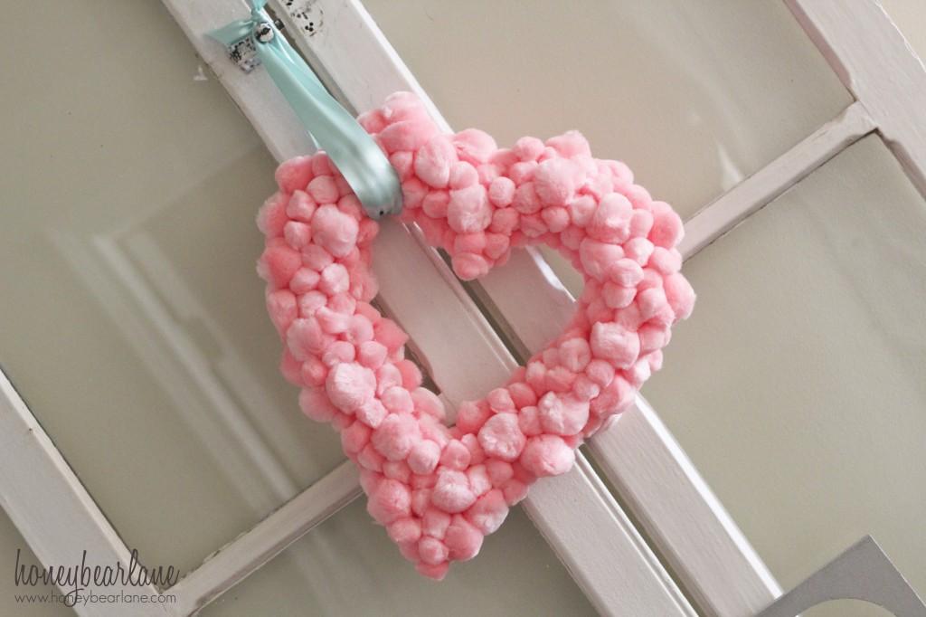 Easy Valentine's Pom pom wreath
