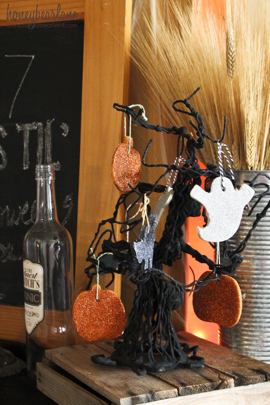 Spooky Halloween Mantel And Banner Honeybear Lane