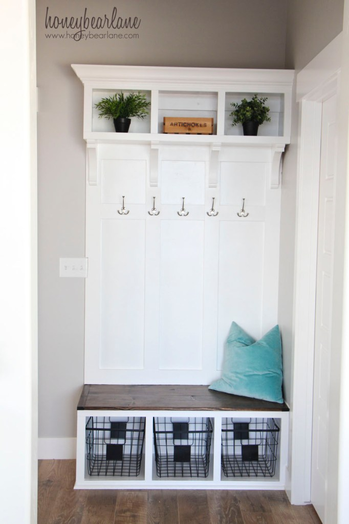 make your own mudroom bench