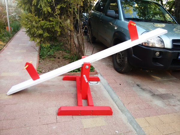 how-to-build-a-teeter-totter-1