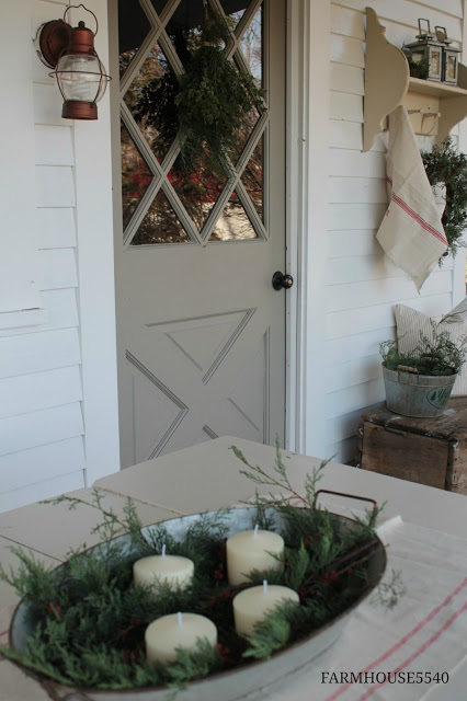 These stunning farmhouse style Christmas porches will inspire you to create beautiful farmhouse style decor of your own!
