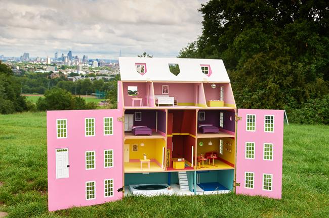 Taylors-of-Harrogate-Bee-Hotel-version-one