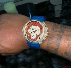 Davido Shows Off New Set Of Expensive Jewelries