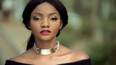 Photo of Simi reveals what she's going through after marriage