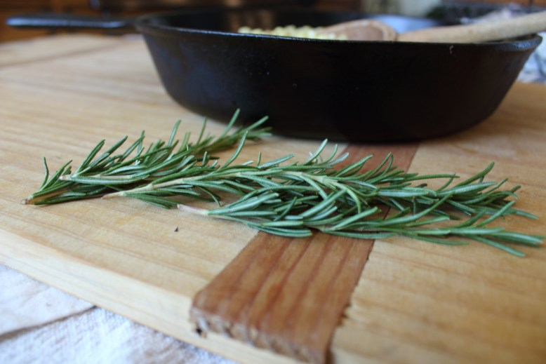 how-to-chop-fresh-rosemary