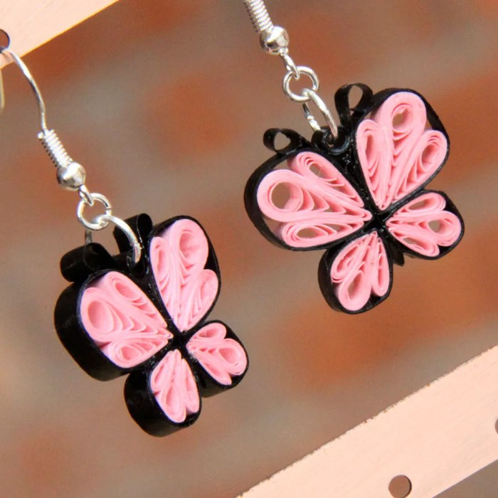 make your own paper quilled butterflies - free tutorial from Honey's Quilling