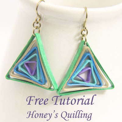 Triangle swirl earrings - free paper quilling tutorial from Honey's Quilling - using the Border Buddy tool