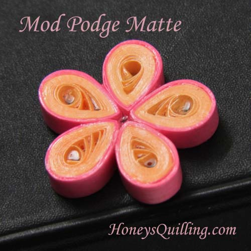 Using Mod Podge with paper quilled jewelry - part 3 - tight flowers - Honey's Quilling