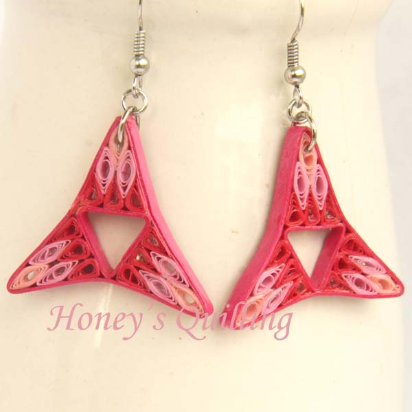 free tutorial - filled tri point paper quilling earrings - Honey's Quilling