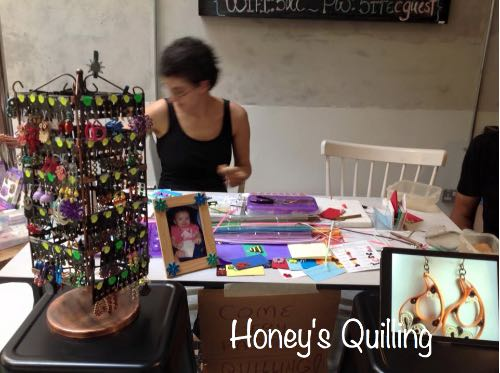 teaching paper quilling at Makerfest Malaysia 2016
