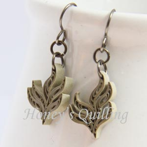 paper quilled gold leaf earring design with tutorial - Honey's Quilling