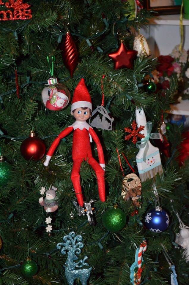 Elf on the Shelf - 19 Easy Ideas - Honeysuckle Footprints