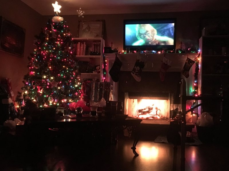Christmas Traditions - Watch Christmas movies and drink hot chocolate - Christmas ideas