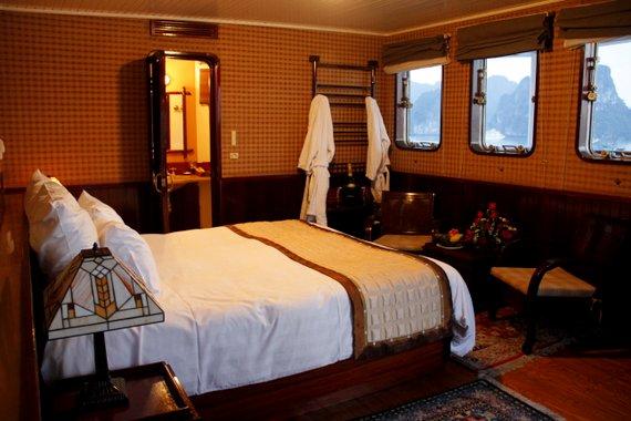 Emeraude cabin Halong Bay