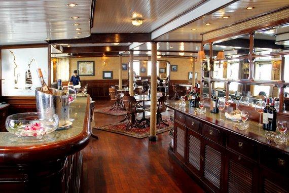 Halong Cruise cooking, fishing, movies
