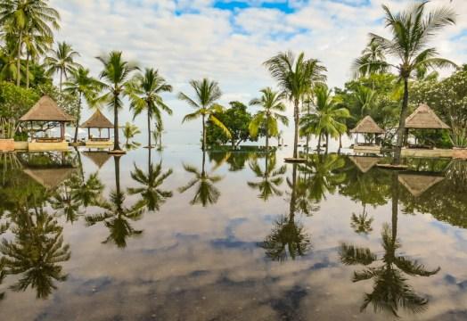 Oberoi Lombok infinity pool