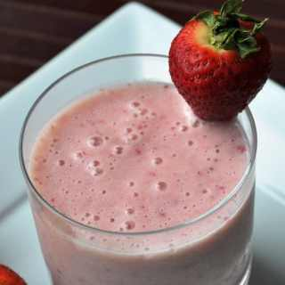 Strawberry Banana Smoothie… for my BFF, Jhiane!