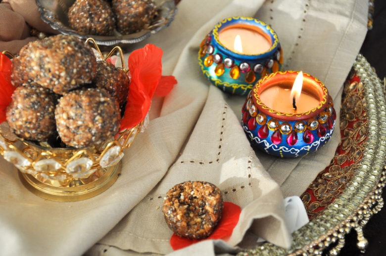 healthy almond date ladoo