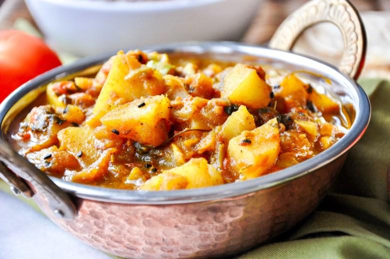 Aloo Shimla Mirch Aur Tamatar Ki Subzi (vegan, gluten-free)