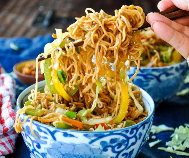 Vegetable Hakka Noodles (vegan)