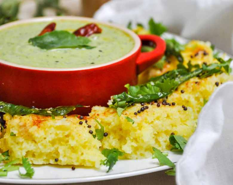 Rava Dhokla | Suji Dhokla (vegetarian, 10 ingredients)