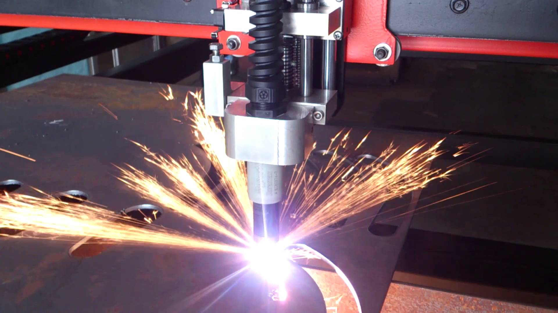 Plasma Cutting What It Is And How It Works