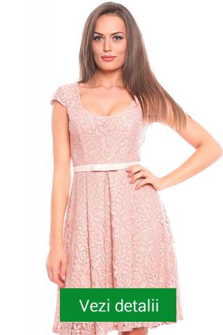 Rochie roz pastel Carmencita clos din dantela