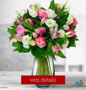 Buchet de flori cu 7 lalele roz, 6 alstroemeria roz, 5 lisianthus alb